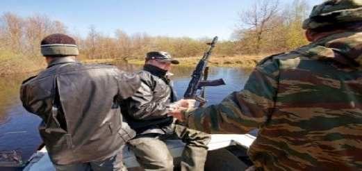 Сотрудники рыбнадзора получат право носить боевое оружие