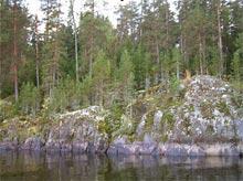 Скалистый берег с большой глубиной