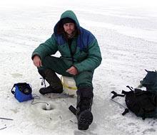 Искусство поиска рыбы подо льдом.