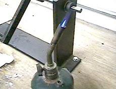 Для того, чтобы удалить пузырьки, можно воспользоваться помощью газовой горелки.