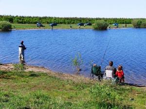 Платная рыбалка: основные преимущества по сравнению с бесплатной