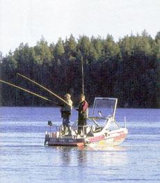 Водометный «Buster» Калеви Кангаса можно считать в буквальном смысле «базой» для рыбалки.