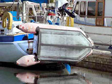Как надувную лодку лучше всего ремонтировать?<br />