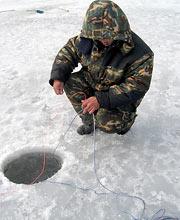 Установка сети под лед с помощью финской лебедки