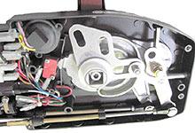 Установите наконечники на один конец обоих тросов (накрутив примерно до половины резьбы и законтрив гайку)