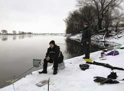 Зимняя рыбалка с фидером